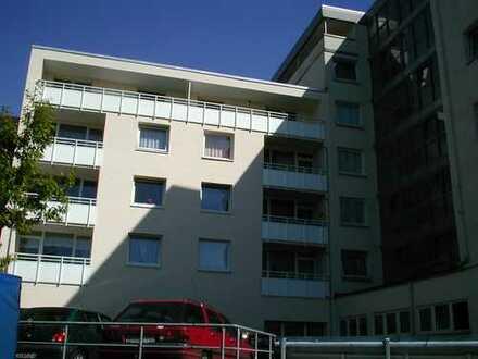 3 Raum-Erdgeschosswohnung / Wohnen in der Innenstadt