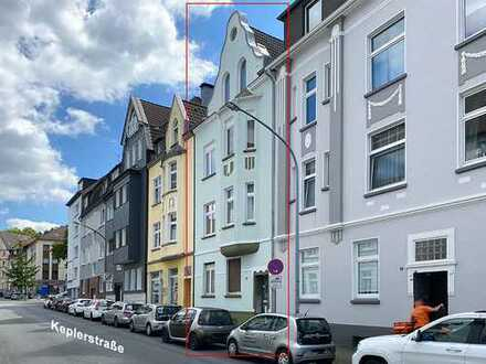 ausgefallene Dachgeschosswohnung mit Balkon in E. Holsterhausen
