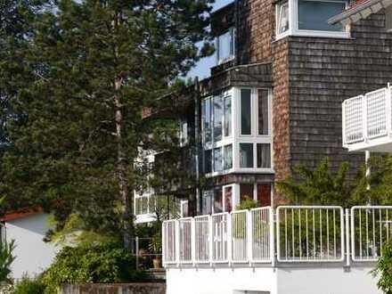 Gepflegte 5-Raum-Maisonette-Wohnung mit Balkon und Einbauküche in Neckargemünd