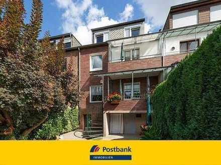Ihr neues Zuhause? - Zweifamilienhaus mit großem Grundstück in ruhiger Wohnstraße