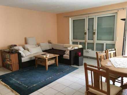 Exklusive, neuwertige 2-Zimmer-EG-Wohnung mit Balkon in Bad Soden Neuenhain