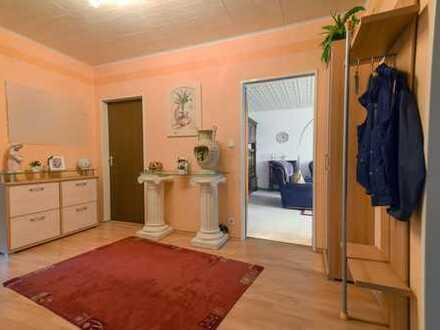 Modernisierte 3-Zimmer-Wohnung mit Balkon in Grevenbroich