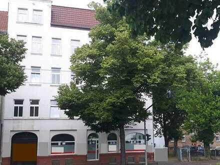 Mehrgenerationen-Wohnhaus mit 6 WE, separatem Gemeinschaftsbereich, PKW-Parkplatz und Gartenbereich