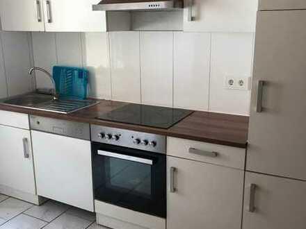 1 Zimmer in Doppelhaushälfte in Nürtingen, Zentrumsnähe, Waschmaschine + Trockner - 7007