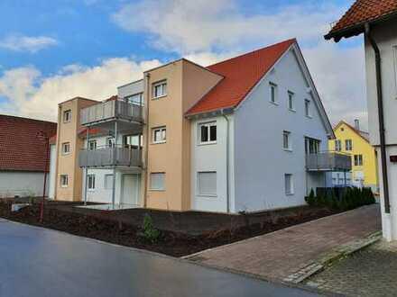 Erstbezug: attraktive 4,5-Zimmer-Wohnung mit Einbauküche und Balkon in Hardthausen-Kochersteinsfeld