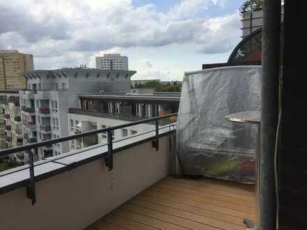 Schöne fünf Zimmer Wohnung in Berlin, Hohenschönhausen
