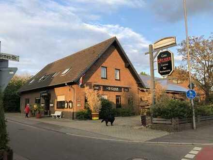 Provisionsfrei - Restaurierte Gaststätte/Restaurant mit großem Saal, Kegelbahnen und Biergarten