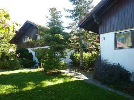 Alten- und Pflegeheim (ehemals) mit Garagen sowie bebauten und unbebauten Grundstücken