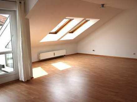 Moderne und attraktive 2,5 Zi. DG-Wohnung in Ludwigsburg – City Süd, Seestr.