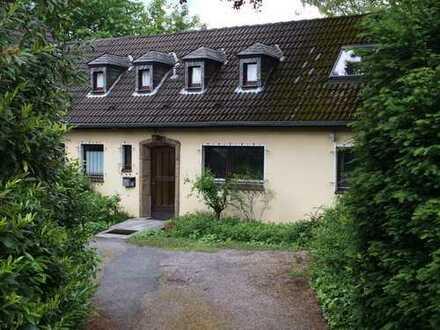 Kleines Haus mit Garten - Schmachtenberg Viertel