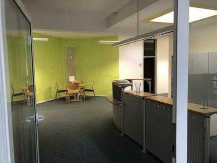 Sehr helle, schöne und großzügige Büro/Praxis/Labor oder Schulungsräume zu vermieten