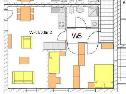 Gepflegte 3-Raum-Dachgeschosswohnung mit Einbauküche in Berkheim