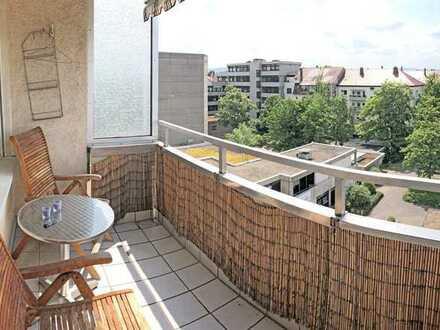 6124 - Hochwertige und großzügige 2,5-Zimmerwohnung mit Einbauküche, Balkon und Garage!