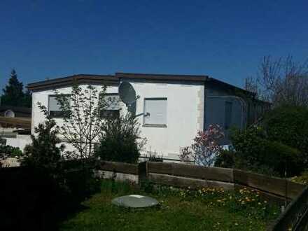 Attraktiver Bungalow mit 2 getrennten Wohnungen in Hohenstadt