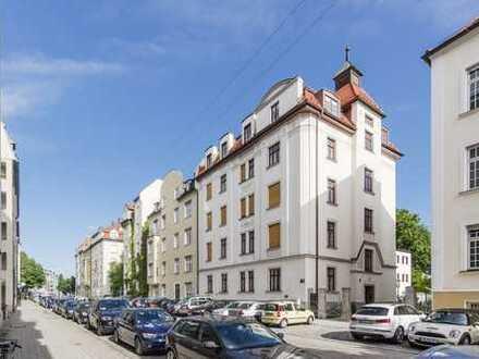 5 Zimmer-DG-Wohnung mit Terrasse in Schwabing