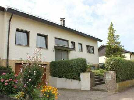 Großzügiges Haus mit schönem Südgarten! 120m² Wohnfläche im EG + 88m² Grundfläche ausgebautes DG