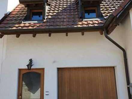 2-Zi-Maisonette-Wohnung mit Balkon und Einbauküche in ruhiger, sonniger Natur Schallstadt