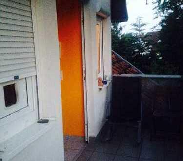 Zwischenmieter gesucht für gepflegte 3,5-Raum-Maisonette-Wohnung mit Balkon und Einbauküche in March