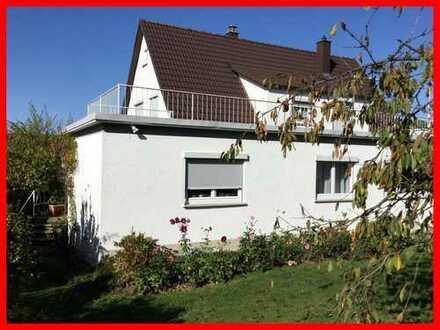 Einfamilienhaus mit großem Garten in sehr schöner Lage!