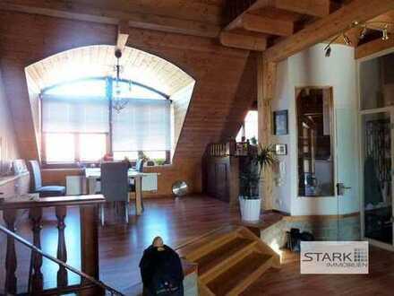 Stilvoll und großzügig auf dem Land wohnen - offen gestaltetes Dachatelier mit 5 Zimmern!