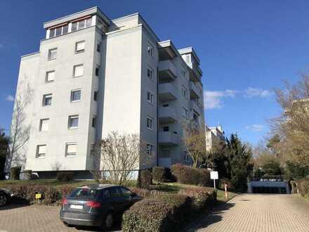 Attraktive 3-Zi-Whg mit Balkon in ruhiger zentrumsnaher Lage von Privat!