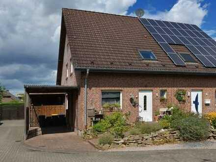 Solide Doppelhaushälfte in Sackgassenlage im Xantener Ortsteil Hochbruch