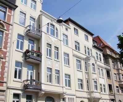 ERSTBEZUG! Kernsanierte, schöne und ruhige 5-Zi. Whg. in der Südstadt mit Balkon im Jugendstilhaus