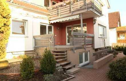 Neurenovierte 4,5 Zimmer Erdgeschoss Wohnung mit neuer EBK, Terrasse sowie Stellplatz in Ehningen