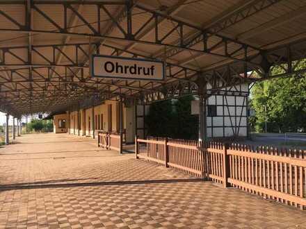 historischer Bahnhof in idealer Lage