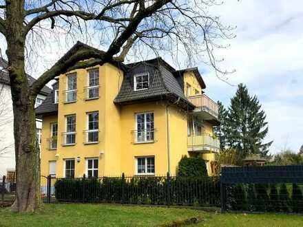 Dachgeschosswohnung mit vier Zimmern, Terasse und Privatgarten (provisionsfrei)