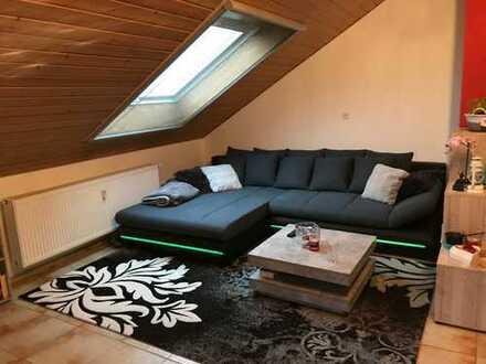Freundliche helle 2,5-Zimmer-DG-Wohnung mit Balkon, Garage und EBK in Rheinmünster-Schwarzach
