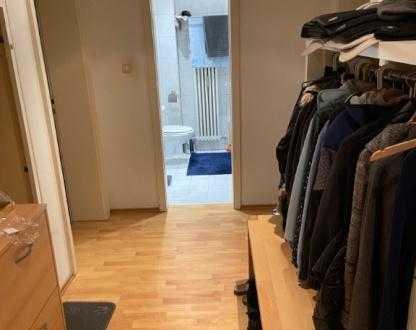 Wochenendheimfahrer/in für gut angebundenes 14 qm möbliertes Zimmer gesucht
