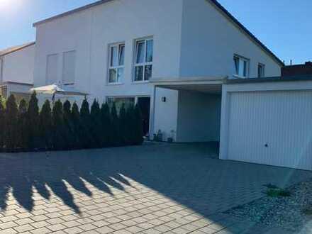 Schönes Haus mit 4,5 Zimmern in Tuttlingen (Kreis), Wurmlingen