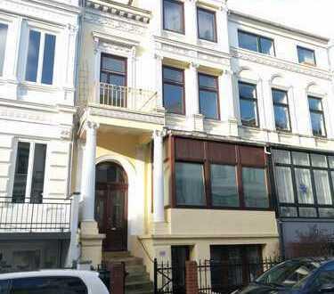 Traumhafte 2-Zimmer-Wohnung mit 2 Balkonen und EBK im Fesenfeld