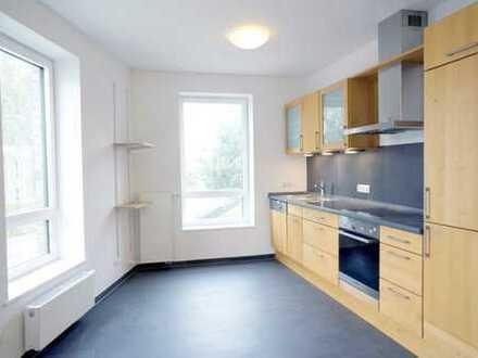 5- Zimmer- Wohnung mit Einbauküche - ideal auch für WGs