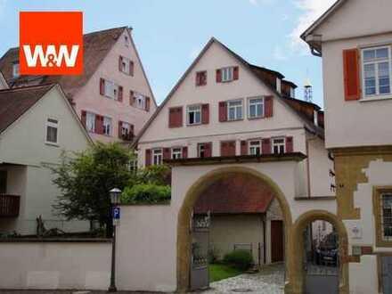 Geräumige und charmante 2,5-Zimmerwohnung in herrlicher Altstadtlage