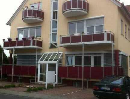 Sanierte 3-Zimmer-EG-Wohnung mit Balkon und EBK in Niedernberg