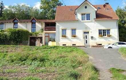 Großzügiges Wohnhaus mit Anbau in idyllischer, ruhiger Lage