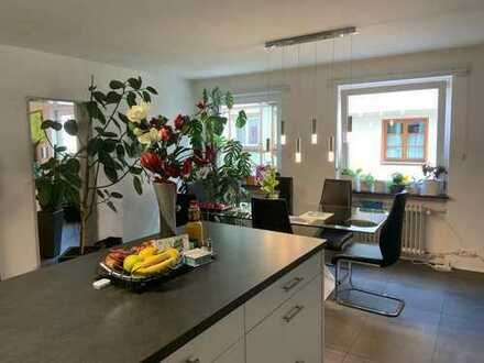 Modernisierte, große, helle 5-Zi. Wohnung im Zentrum von Bad Waldsee, am Stadtsee!!