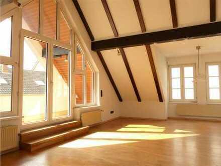 Helle 3-Zimmer-Wohnung mit Balkon, Küche und Garage im Herzen von Rastatt