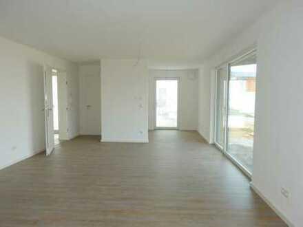 Ab sofort! TOP-Objekt, neu, ebenerdig: geräumige 2 Zimmer, etc. mit EBK, 2 Terrassen+vielen Extras!