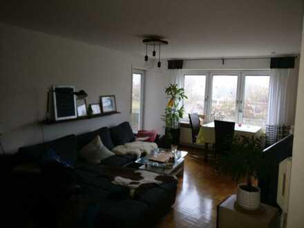 Schöne 2-Zimmer-Wohnung mit Balkon und Einbauküche in Ulm-Eselsberg