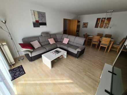 Freundliche 2-Zimmer-Hochparterre-Wohnung mit Balkon und Einbauküche in Kulmbach