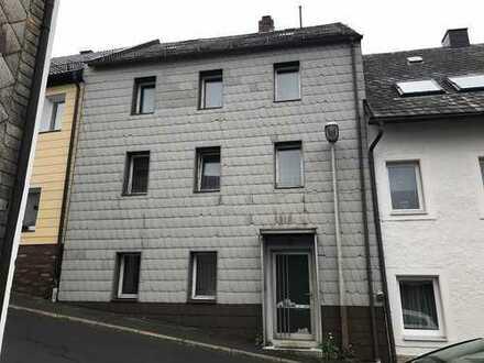 *Provisionsfrei* Reihenmittelhaus in Bischofsgrün