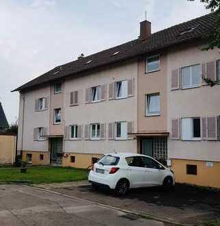 + Göppingen-Rechberghausen + Mehrfamilienhaus mit 9 Wohneinheiten, 3 Garagen u. 2 PKW Stellplätze +