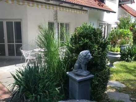 Zentrale ruhige Lage, 4 ZKB eigener Garten + Terrasse, interessant für München Pendler