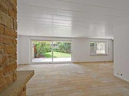 Erdgeschosswohnung mit gehobener Ausstattung und eigenem Garten!!