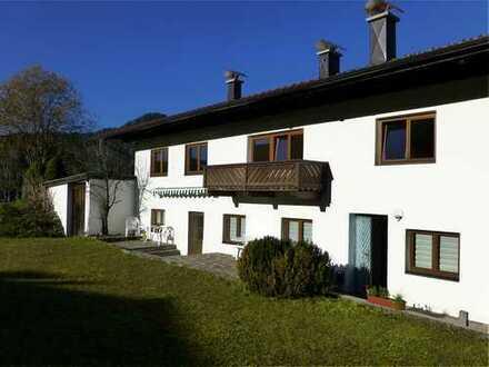 Schöne ruhig gelegene 2-Zimmer Ferienwohnung in unserem Landhaus direkt am Walchsee zu vermieten