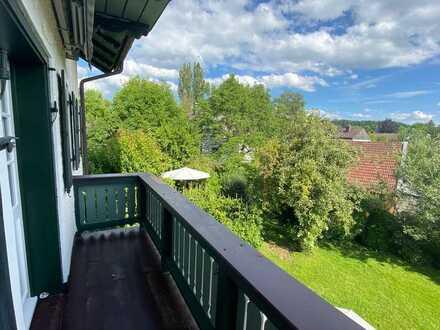 Erstbezug nach Sanierung mit Balkon: exklusive 3-Zimmer-Wohnung in Berg