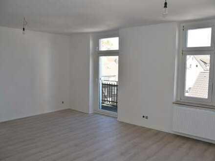 Erstbezug nach Sanierung mit Balkon: günstige, geräumige 2-Zimmer, Küche, Diele, Bad in Ennepetal